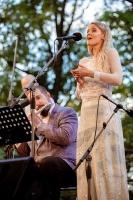 Tiguļkalnu Talsos piepilda skanīgs Raimonda Tigula brīvdabas koncerts 11