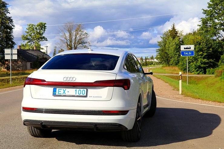 Travelnews.lv uzlādē «Audi e-tron Sportback» Talsos un izbauda pilsētas viesmīlību 289912