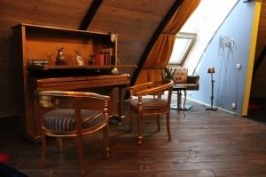 Māksliniecisks viesu nams kupolmāja «Ārpus laika» Salaspilī uzņem ceļotājus 10