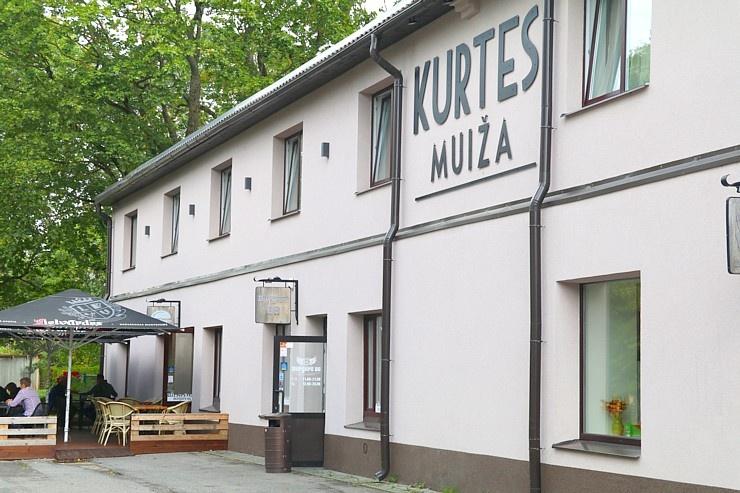 Travelnews.lv apmeklē un ievērtē burgernīcu «Burge