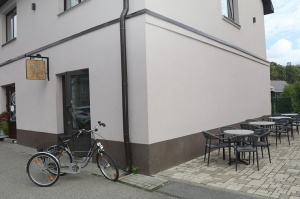 Travelnews.lv iepazīst Rīgavas mūzikas un mākslas dārzu Salaspilī ar jauno kafejnīcu 11