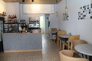 Travelnews.lv iepazīst Rīgavas mūzikas un mākslas dārzu Salaspilī ar jauno kafejnīcu 12