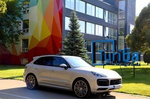 Travelnews.lv apceļo Rīgu ar jaudīgo un jauno «Porsche Cayenne GTS» 20