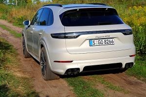 Travelnews.lv apceļo Rīgu ar jaudīgo un jauno «Porsche Cayenne GTS» 45
