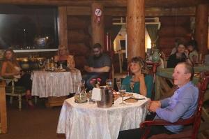 Lido atpūtas centra restorāns «Pie saimnieka» katru trešdienu rīko garšīgu tikšanos ar māksliniekiem 23