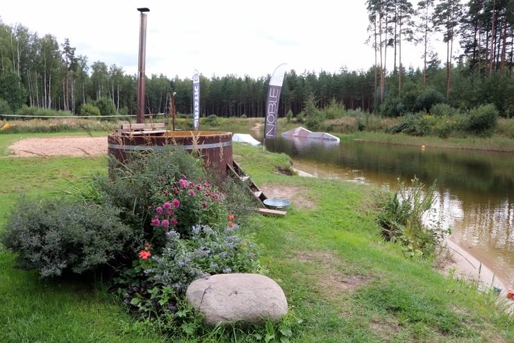 Salaspils novads iepazīstina ar viesu namu «Villa Dole» un veikborda parku «Wakeline». Foto: Sintija Sondore, Laura Siliņa, Ieva Tumana 291099