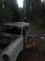 Mežā pamesto volvo sasniedzam jau krēslā 2