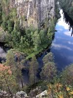 Kopā ar @suuntopulksteni.lv un @kidshike Travelnews.lv apmeklē Ristikallio klinti 24