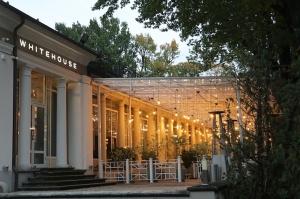 Rīgā atver jaunu augstas klases restorānu «White House» un Travelnews.lv to izgaršo 100 eiro vērtībā 3
