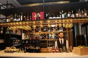 Rīgā atver jaunu augstas klases restorānu «White House» un Travelnews.lv to izgaršo 100 eiro vērtībā 10