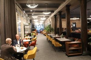 Rīgā atver jaunu augstas klases restorānu «White House» un Travelnews.lv to izgaršo 100 eiro vērtībā 11