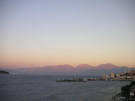 Dodieties baudīt sauli un jūru uz Agios Nikolaos!