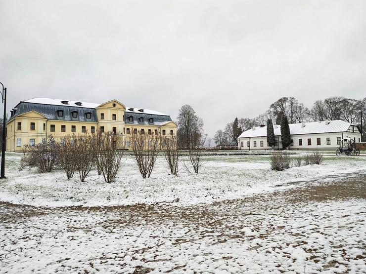 Krāslava  ietinas baltā sniega rotā. Foto: Inga Pudnika 294573