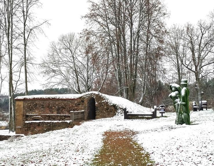 Krāslava  ietinas baltā sniega rotā. Foto: Inga Pudnika 294580