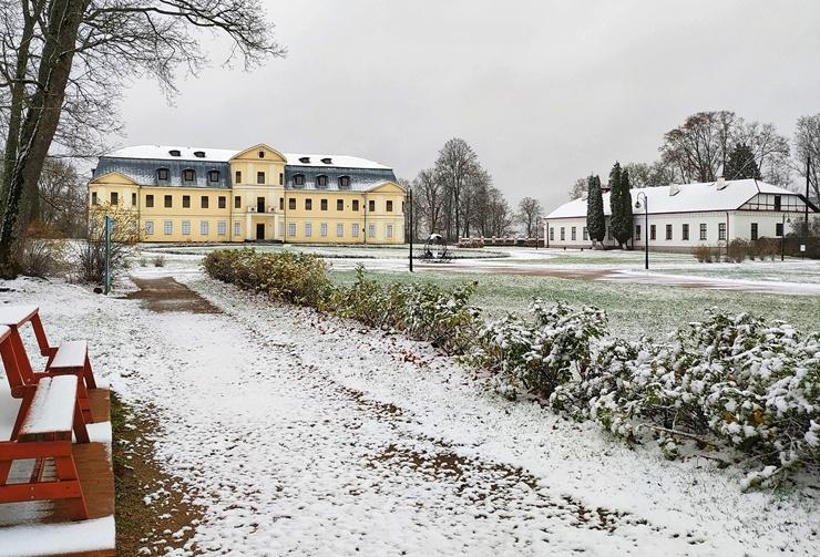 Krāslava  ietinas baltā sniega rotā. Foto: Inga Pudnika 294583