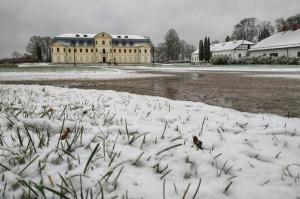 Krāslava  ietinas baltā sniega rotā. Foto: Inga Pudnika 1