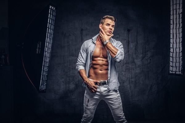 Latvijas slavenākais striptīzd