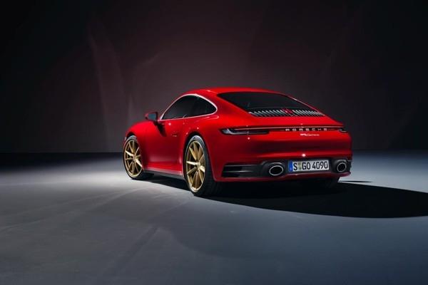 «Porsche» iepazīstina ar jauna