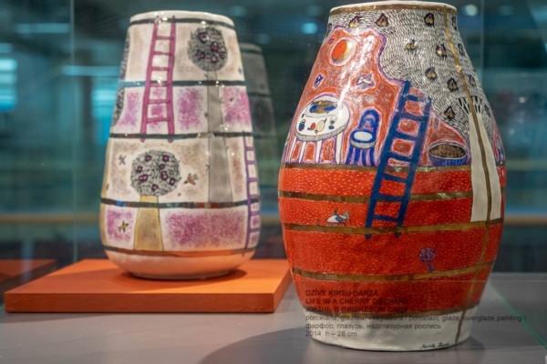 Lūznavas muižā atklāj Marutas Raudes porcelāna dar
