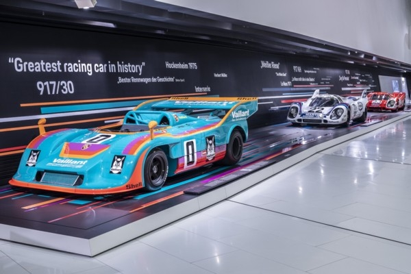 «Porsche 917» svin 50 gadu jub