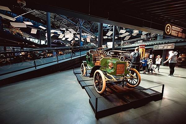 Vasaras periodā Rīgas Motormuzeju apmeklējuši 40 t