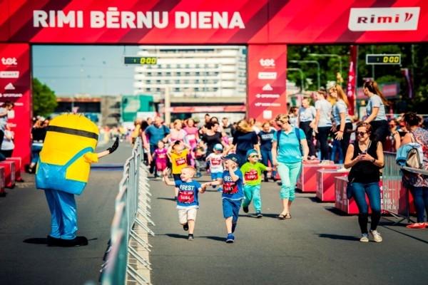 Sākas starta numuru izņemšana Rimi Rīgas maratona