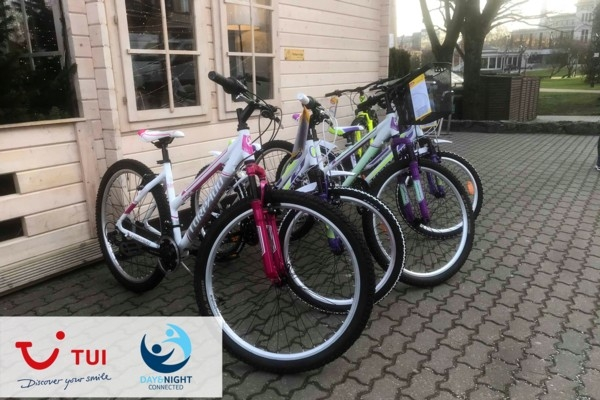 Tūroperators «TUI Baltics» iepriecina bērnus ar īp