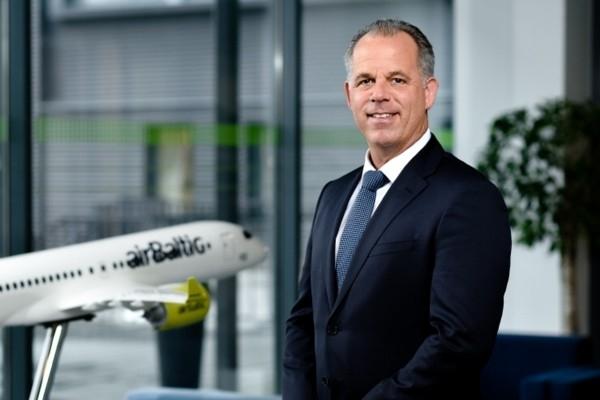 airBaltic izpilddirektors krīzes laikā pilnībā ats