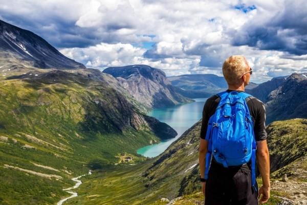 Norvēģija atceļ 14 dienu karantīnu ceļotājiem no v