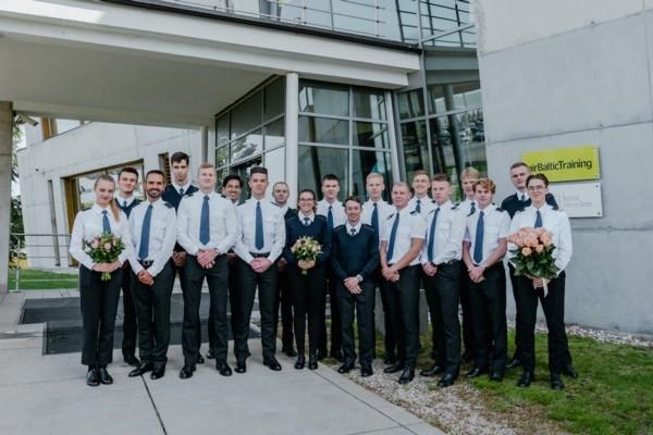 Seši studenti absolvē «airBalt