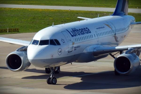Vācijas lidsabiedrības ļaus lidot pasažieriem tika
