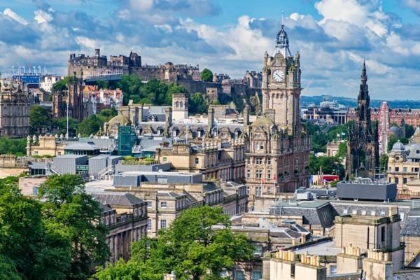 «airBaltic» uzsāks lidojumus no Rīgas uz Edinburgu