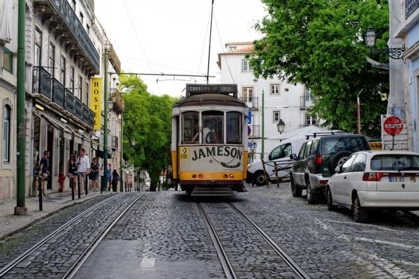 Portugāle atsakās no sejas masku nēsāšanas ārpus t