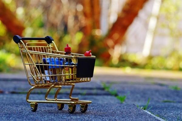 Kā iepirksimies stingrās mājsēdes laikā
